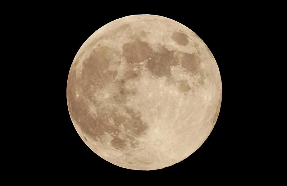 スターウオッチング<BR>天体望遠鏡で月、土星、火星、太陽ウオッチング